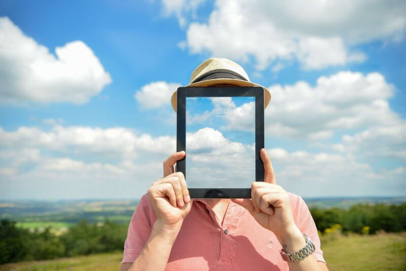 Personal Branding - woman with tablet